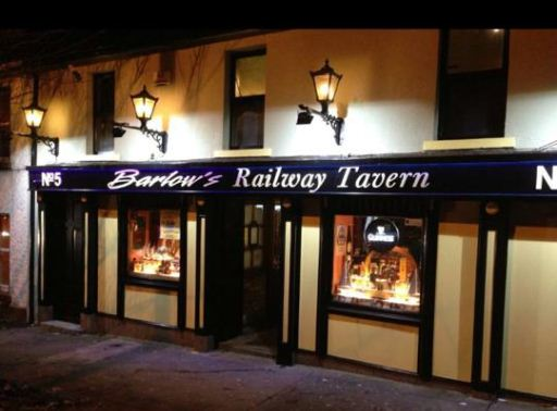 Exterior Painting – Barlow's Railway Tavern, Drogheda, Co Louth